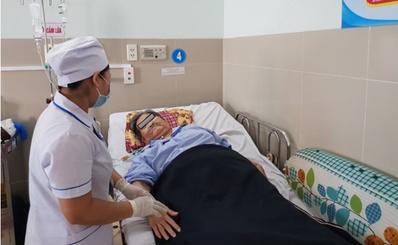 Triển khai ứng dụng kỹ thuật theo dõi huyết động cao cấp cứu sống bệnh nhân sốc sau mổ thay khớp háng