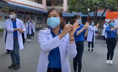 Thích thú những clip chống COVID-19 của các bệnh viện