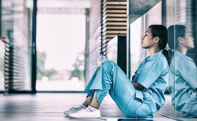 """Nhân Ngày Quốc tế Điều dưỡng (12/05/2019): Điều dưỡng vẫn là đối tượng dễ mắc hội chứng """"burnout"""" do đặc thù của tính chất nghề nghiệp"""