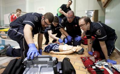 Tìm hiểu các quy định để có thể hành nghề cấp cứu ngoài bệnh viện tại Mỹ