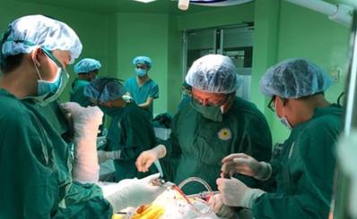 """(SGGP) Bệnh viện quận, huyện: Hết thời """"kính chuyển"""""""